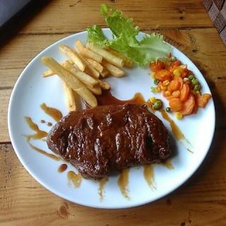 tenderloin steak 200gr -  dari OZT Café (Bandung Barat) di Bandung Barat |Bandung