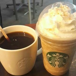 คาราเมลมัคคิอาโต้ เฟรบเป้ -  dari Starbucks Coffee (สตาร์บัคส์) (คันนายาว) di คันนายาว |Bangkok