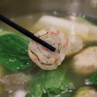 Gulung Tahu Seafood Kepiting - 位於Kelapa Gading的Macao Supreme (Kelapa Gading) | 雅加達