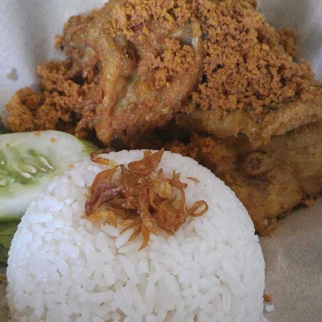 ayam goreng kremes - Ayam Baraya - Restaurant - Green Ville - 雅加達