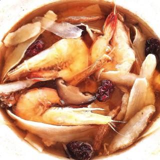 Herbal Prawn Soup (药材虾汤) - 位于兀蘭的Seafood - Bai Sheng Food Court (兀蘭) | 新加坡