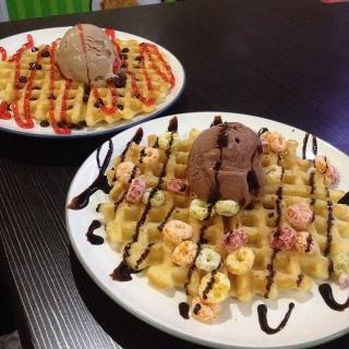 Surabaya Pusat / Be' Waffle (Surabaya Pusat) Surabaya