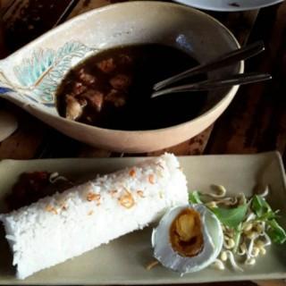 nasi rawon setan - Kaliurang's House Of Raminten (Kaliurang)|Yogyakarta
