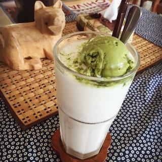 Matcha Float - 位於อ.แม่ลาว的Ryokan Cafe' (อ.แม่ลาว) | 清萊