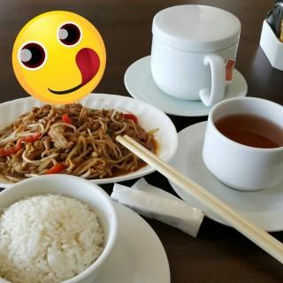 沙嗲金菇炒肥牛 - 位於西貢的賽馬會滘西洲高爾夫餐廳 (西貢) | 香港