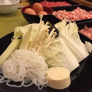 Sukiyaki - ในพระโขนงเหนือ จากร้านอะคิโยชิ (พระโขนงเหนือ)|กรุงเทพและปริมลฑล