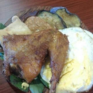 ayam penyet special - Puri Maerokoco's Ayam Goreng Chi Chi (Puri Maerokoco)|Semarang