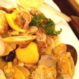 檸檬炒蜆 -  dari Restaurante ESCADA (新馬路) di  |Macau