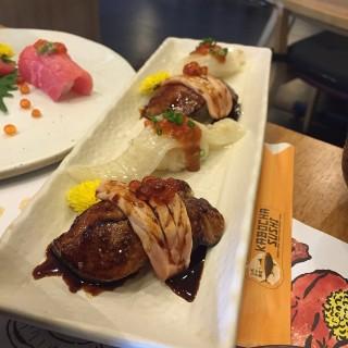 Foiegras salmon wrap and engawa mentai - 位于จอมพล的Kabocha Sushi (จอมพล) | 曼谷