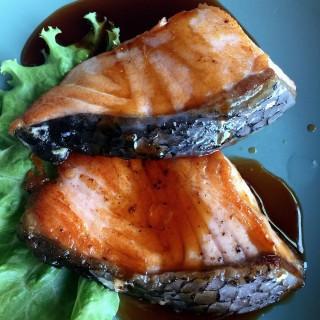 ปลาซัลม่อนย่างซีอิ้ว -  dari Inaho Japanese Restaurant (อินาโฮ) (ปทุมวัน) di ปทุมวัน |Bangkok