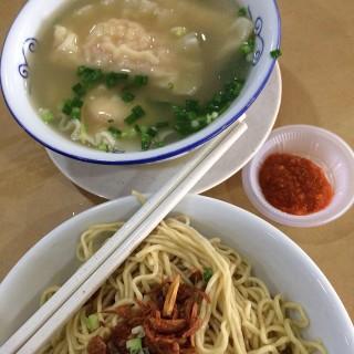 水饺汤面 - Miri's Q BBQ Seafood Steamboat Food Court (Miri)|Sarawak