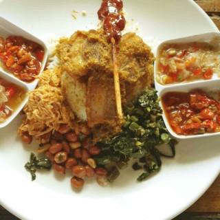 nasi babi goreng -  dari Kenken Bigul Kitchen (Pasirkaliki) di Pasirkaliki |Bandung
