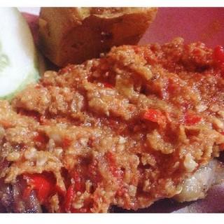 Ayam Goreng -  dari Ayam Gepuk Pak Gembus (Green Ville) di Green Ville |Jakarta