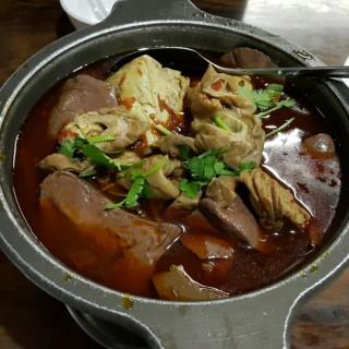 腸旺鴨血臭豆腐 -  dari 深坑大樹下 (深坑區) di  |New Taipei / Keelung