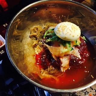 韓式拌麵 -  dari 八色韓式烤肉 一號旗艦店 (大安區) di 大安區 |Taipei