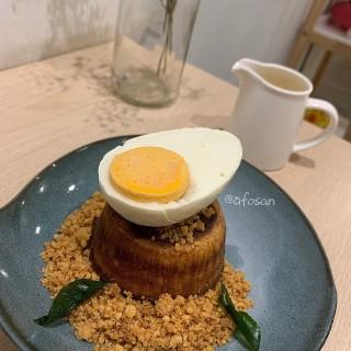 Salted Egg Yolk Lava Cake -  Sri Petaling / Forêt Blanc Dessert Cafe (Sri Petaling)|Klang Valley