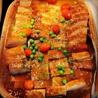 Garlic Smoked Pork Belly with Lentil Stew - 位於的RISE (Marina Bay) | 新加坡