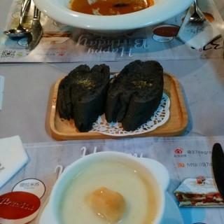 海鲜汤和蘑菇汤 - tianhecheng's 37º2 Bistro (tianhecheng)|Guangzhou
