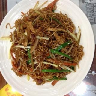 炒米线 - ใน八佰伴 จากร้าน甜蜜蜜 (八佰伴)|Shanghai