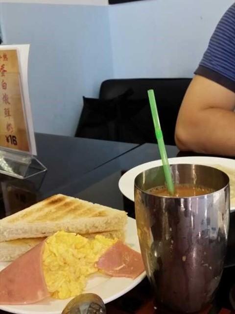 西多火腿炒蛋配奶茶 - Shipai's 九龙冰室|Hong Kong Style - Guangzhou