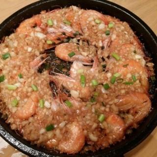 铁板蒜香虾 - ใน江汉路 จากร้าน艳阳小厨 (江汉路)|Wu Han