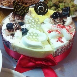 缤纷四季蛋糕 - 位于朝阳区的巴黎贝甜 (朝阳区) | 北京