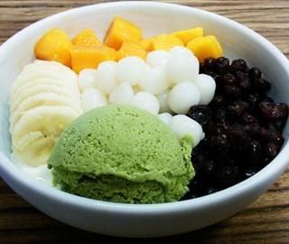 酸奶菜菜B+糯米小圆子 - ใน人民广场 จากร้านBojoo Desser (人民广场)|Shanghai