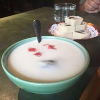 宫廷琥珀酸奶 - lugu's 那家小馆 (lugu) Beijing