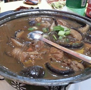 小鸡炖蘑菇 - 位於劉家窯的金炒勺家常菜 (劉家窯) | 北京