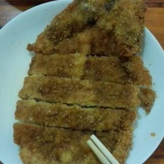炸猪排 - ใน老西门 จากร้าน耳光馄饨 (老西门)|Shanghai