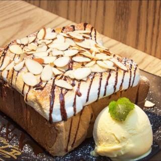 韓式粉天使草莓意大利粉雪糕 - ใน จากร้านNun Desserts Cafe (元朗)|ฮ่องกง