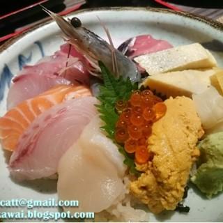 木槙極上刺身丼定食(配風野菜沙律、炸豆腐、味噌湯) - 位於灣仔的木槇料理 (灣仔)   香港