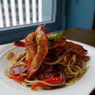 香辣橄欖油大蝦蒜片意大利麵 $88 - 位於的Espuma (灣仔) | 香港