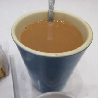 熱奶茶 - 位於長沙灣的海皇粥店 (長沙灣) | 香港