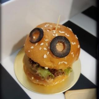 食得有型(原隻鮑魚迷你漢堡包)- 漢堡神偷 - 位於上環的Cafe Bauhinia (上環)   香港