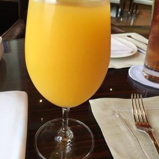 鮮橙汁 - 位於中環的The Lounge (中環) | 香港