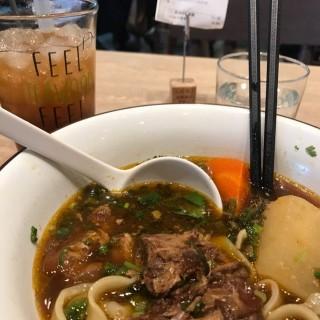 醬燒豬軟骨麵 - 位於九龍灣的茶木‧台式休閒餐廳 (九龍灣) | 香港