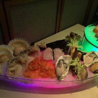 龍蝦鮑魚海鮮船 - 位於旺角的壹火鍋 (旺角) | 香港