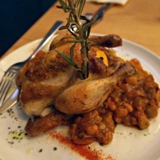 慢煮鹽麴原隻法國燒春雞 - 位於旺角的Romanne Leisure Food Concept (旺角) | 香港