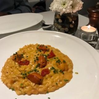 Hokkaido Sea Urchin risotto with fresh Wasabi and Chives  - ใน跑馬地 จากร้านLocanda dell' Angelo (跑馬地)|ฮ่องกง