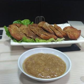 川式豬頸肉 - 位於葵涌的外婆酸辣粉-辣酒米線專門店 (葵涌) | 香港