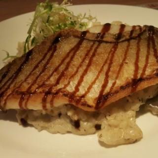 香煎盲曹魚柳配巴黎鰻魚汁黑松露意大利飯 - ใน深水埗 จากร้าน馬德里餐廳 (深水埗)|ฮ่องกง