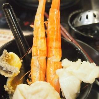 熟蝦, 鮑魚, 花膠, 雲舌 - 位於旺角的一鍋豐 (旺角) | 香港