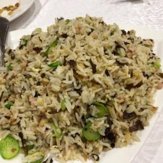 薑粒菜脯玉蘭肉松欖菜炒飯 - 位於灣仔的古琴潮州酒家 (灣仔) | 香港