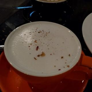 玫瑰奶茶 - ใน長沙灣 จากร้านFifty Fifty (長沙灣)|ฮ่องกง