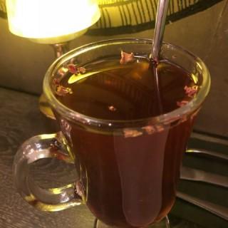 玫瑰花茶 - ใน尖沙咀 จากร้านPetit Deli (尖沙咀)|ฮ่องกง