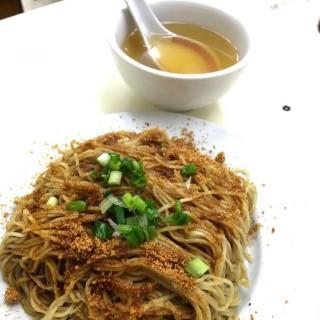 招牌蝦子撈麵 -  dari Loja Sopa De Fita Cheong Kei (新馬路) di 新馬路 |Macau