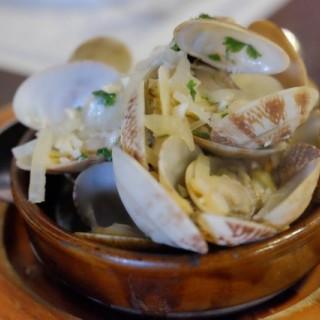白酒煮蜆、西班牙海鮮飯 -  dari Don Quijote de la Mancha (氹仔舊城區) di 氹仔舊城區 |Macau