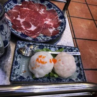 墨魚+蝦滑,黑毛豬 -  dari 贏到粥 (下環) di 下環 |Macau