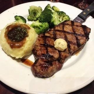 New  York  Strip  Steak -  dari Hard Rock Cafe (路氹城) di 路氹城 |Macau